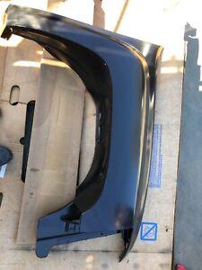 Right front fender GM Part # 25864326 Silverado Sierra 1500 2500 3500 models