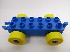 LEGO DUPLO 11248 - Car Base 2x6 Wagon Bleu avec Roues Jaunes et Crochet Ouvert