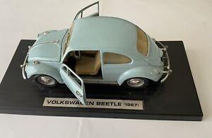 ROAD LEGENDS MODEL 1:18 1967 VOLKSWAGEN BEETLE DIECAST MODEL METAL  BLUE