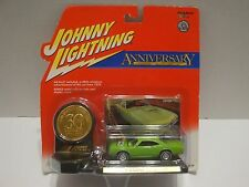 Johnny Lightning Anniv. 1970 Dodge Super Bee W/Stand & Coin 1:64 Diecast C9-52