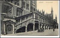 LÜBECK um 1910/20 altes Auto vor der Rathaus Treppe Gebäude Strassen Partie