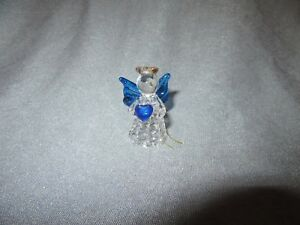 739H Angel Cherub Plastic With Heart H 4,6 CM