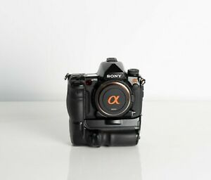 Sony Alpha A900 Full Frame DSLR in Excellent condition boxed with genuine grip