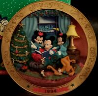 Its A Small World Holiday 1994 Cold-Cast Sculpted Christmas Plate Mickey Disney