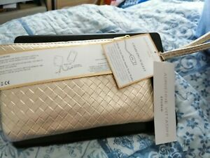 Adrienne Vittadini Charging Purse (iPhone, Android). GOLD  New With Tags