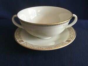 Royal Doulton White Nile soup cup & saucer (very minor rim gilt wear on cup)