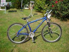 vélo vtt  cadre en aluminum raleigh