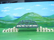 Triang TT gauge T104 Girder Bridge with incline piers and supports