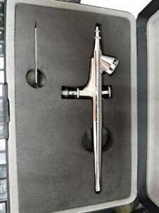 IWATA HP-B H 2000 AIRBRUSH GUN NEW IN BOX!