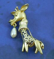Vintage Giraffe Brooch Pin Faux Pearl Gold Tone Whimsical Rare Unique