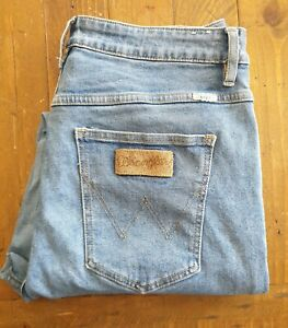 Aged Wrangler Tyler High Waisted Tapered Leg Relaxed Seat Mum Blue Jeans Size 14