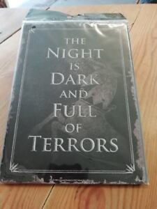 Game Of Thrones The Night Is Dark Metal Wall Hanging Plaque Sign 15x20cms