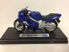 Triumph TT600 2002 Blu 1:18 Scala Welly 12177