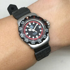 TAG HEUER Formura1 Lady Size 28mm. Black color dial with tritium marks. Date dis