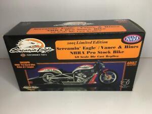 2005 Harley Davidson Screamin Eagle Vance & Hines NHRA Pro Stock Bike 1:9 Scale