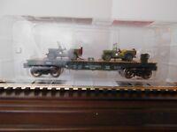 MENARDS    O GAUGE  ARMY FLATCAR WITH TWO ARMY JEEPS # 52    C10