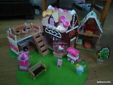 Maison la confiserie de Hello Kitty avec Kitty et Mimmy
