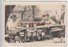 (F8287) Orig. Foto Jungen, junge Männer am Biertisch im Freien, 1930er