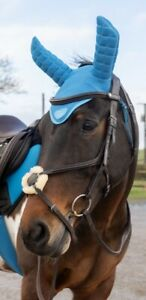 Apollo Air Breathe Acoustic Ear Bonnet. Softens sound to help horse concentrate.