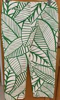 J MCLAUGHLIN Capri Pants Size 2 Green White Print Stretchy