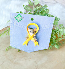 """Charming Tails """"Yellow Ribbon"""" Lapel Pin Mouse � Dean Griff"""