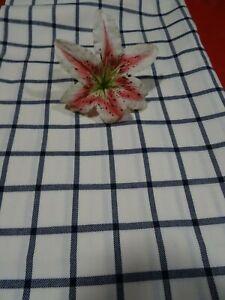 1m,65x1m,40 tissus fin lainage  jupe ,ensemble ,pantalone..blanc bleu carreaux