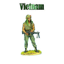 VN009 US 25th Infantry Division Standing with M-60 by First Legion