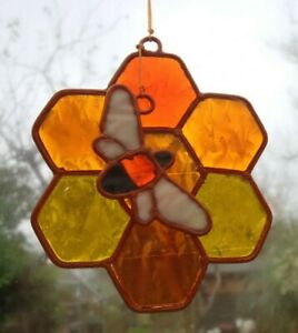 HONEYCOMB & BEE SUNCATCHER STAINED GLASS EFFECT Complete with  Hook * 9 cm