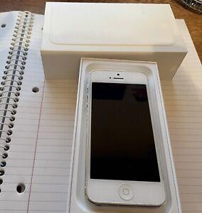 Apple iPhone 5 - 32GB - White & Silver (Sprint)