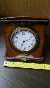 MILITARY Octava 8 Day Traveling Clock ,  Leather Case.  U.S.A.P. Working.