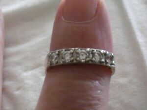 9 carat yellow gold ring with cubic zirconia