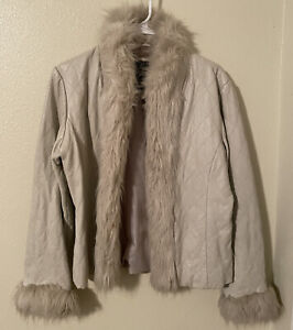 Venus Williams By Wilson's Leather Beige Fur Accent Quilted Fitted Medium Jacket