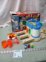 Vintage Fisher Price Little People Play Family FLOATING MARINA 2582 Boat house B