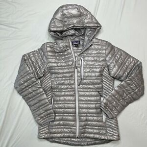 Patagonia Women's UltraLight Down Sweater / Jacket Hoody Small Silver Gray Goose