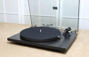 Pro-Ject Primary E schwarz Audiophiler Plattenspieler Plug & Play / NEUE Version