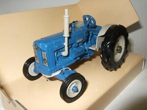 ERTL 1/32 FORDSON Super Major New Perform model Tractor No 5329 BRITAINS SIKU
