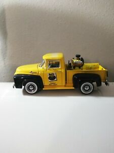 1/25TH SCALE NAPA AUTO PARTS 56 FORD PICKUP-FIRST GEAR