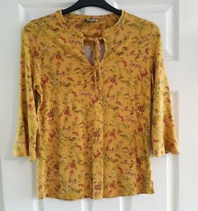 TU Mustard Yellow Ditsy Floral Top Size 12 Tie Front 3/4 Sleeves Gypsy Stretch