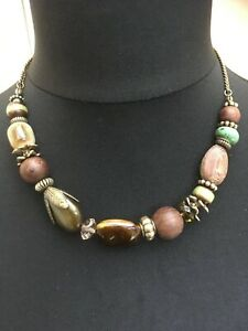 Pretty green/brown beaded antique gold-toned necklace N20