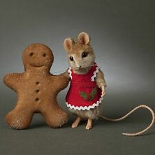 """R John Wright Christmas Mouse """"Ginger"""", wonderful detail, gorgeous mouse."""