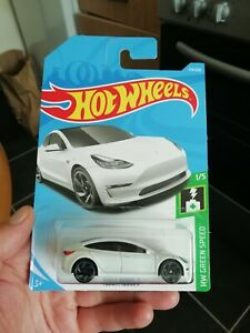 Hot wheels TESLA MODEL 3 white