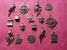 Tibetan silver mixed pirates à thème charms 16 per pack