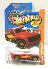 2013 Hot Wheels Stunt Fig Rig Red 80