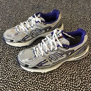 New Balance - Running Shoes In Silver + White - UK 7