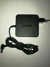 Original Asus AC-Adapter Notebook Netzteil 19V 3.42A
