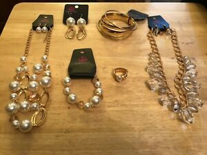 Paparazzi Jewelry Gold Lot of 6 includes Fashion Fix Set Aug 2020