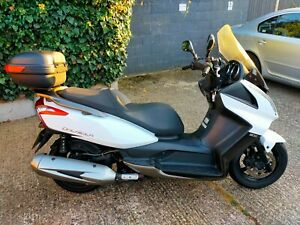 Kymco downtown 300i scooter 16,000 miles with top box twin usb drl led lights