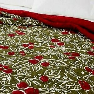 Threshold King Quilt Holly Red Berries NWT