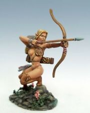 DARK SWORD MINIATURES - DSM1175 The Signal, Female Archer