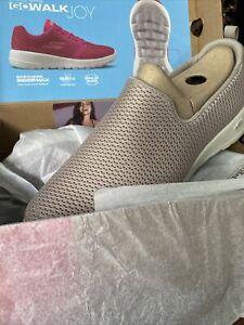 Skechers Women's Go Walk Joy Walking Shoe NWB 9W Taupe